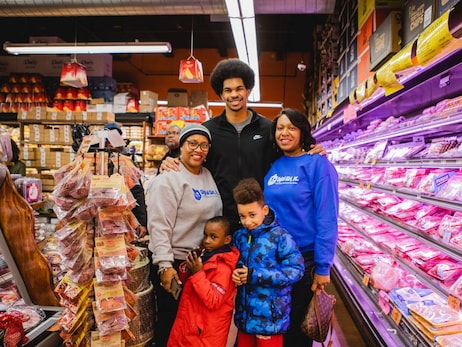 Jarrett Allen's Math + Meals Thanksgiving Event