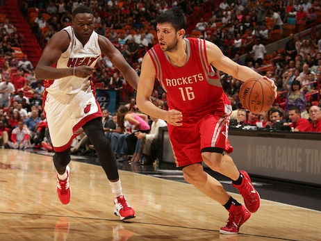 Nuggets Sign Kostas Papanikolaou