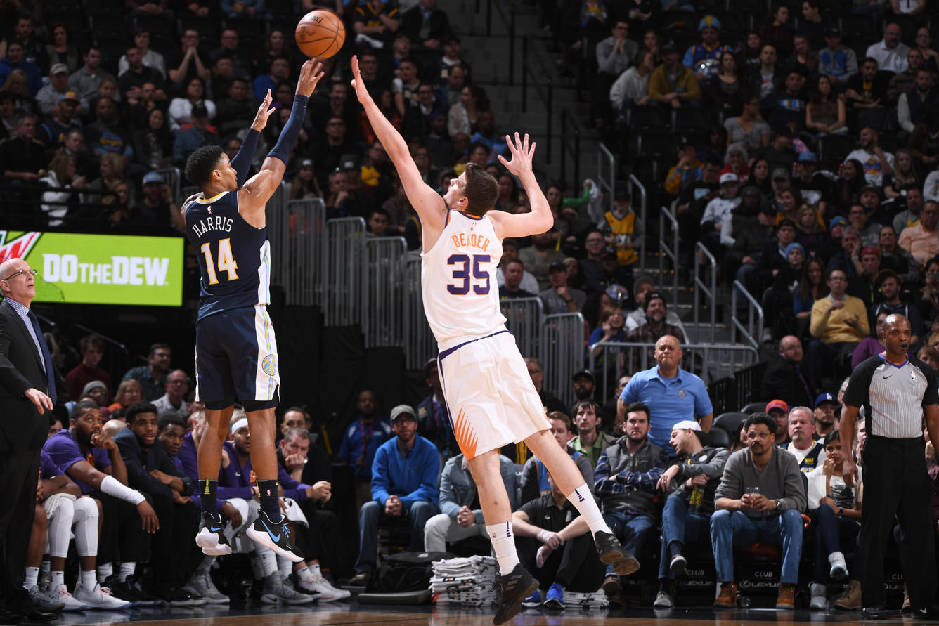 Nuggets Can't Slow Booker Warren Fall to Suns