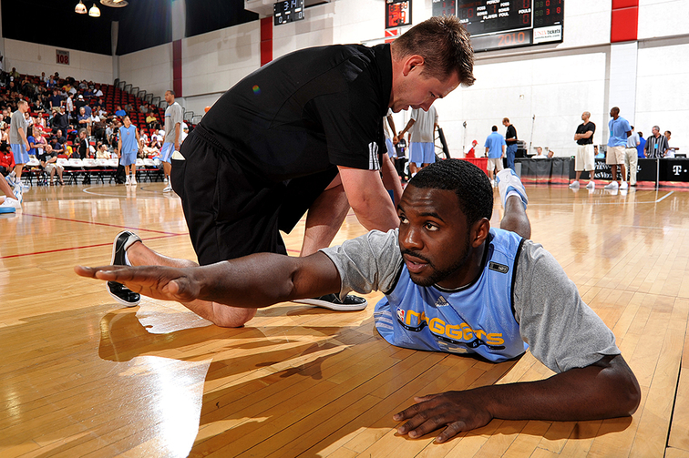 Denver Nuggets athletic trainer Dan Shimensky follows in father's footsteps