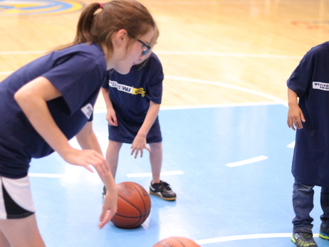 Special Appearance from Gary Harris, Basketball Clinic on the UCHealth Practice Court; Nuggets Host Denver Children's Home and Saint Vincent Children's Home