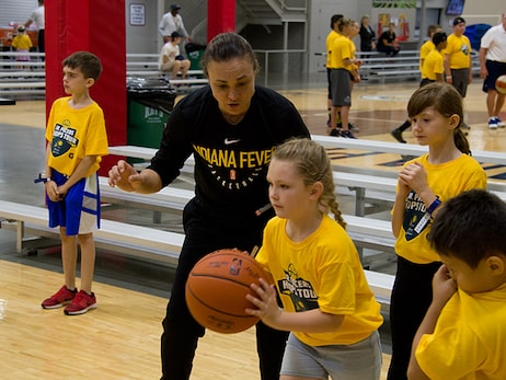 Tully Bevilaqua at Jr. Pacers Hoops Tour
