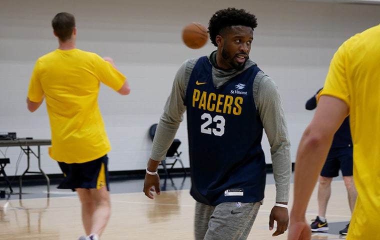 Pacers sign veteran Wesley Matthews