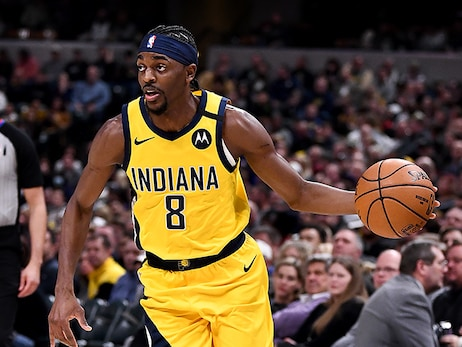 Pacers Re-Sign Justin Holiday