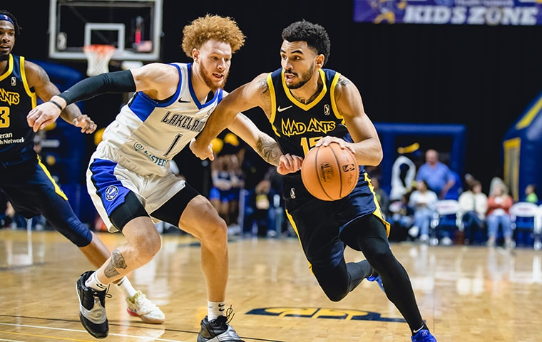 Naz Mitrou-Long playing for Fort Wayne Mad Ants