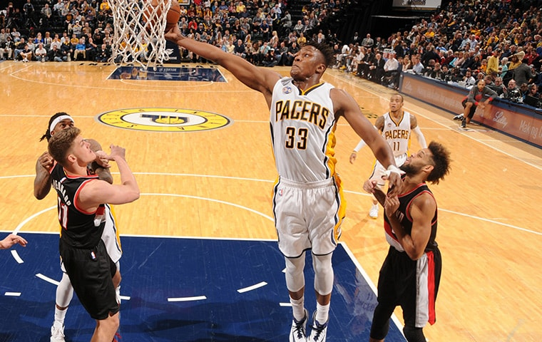 Myles-turner-grabs-board-161210