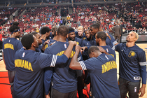 Pacers huddle