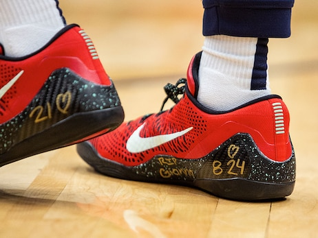 Photos: Pelicans players pay tribute to Kobe Bryant