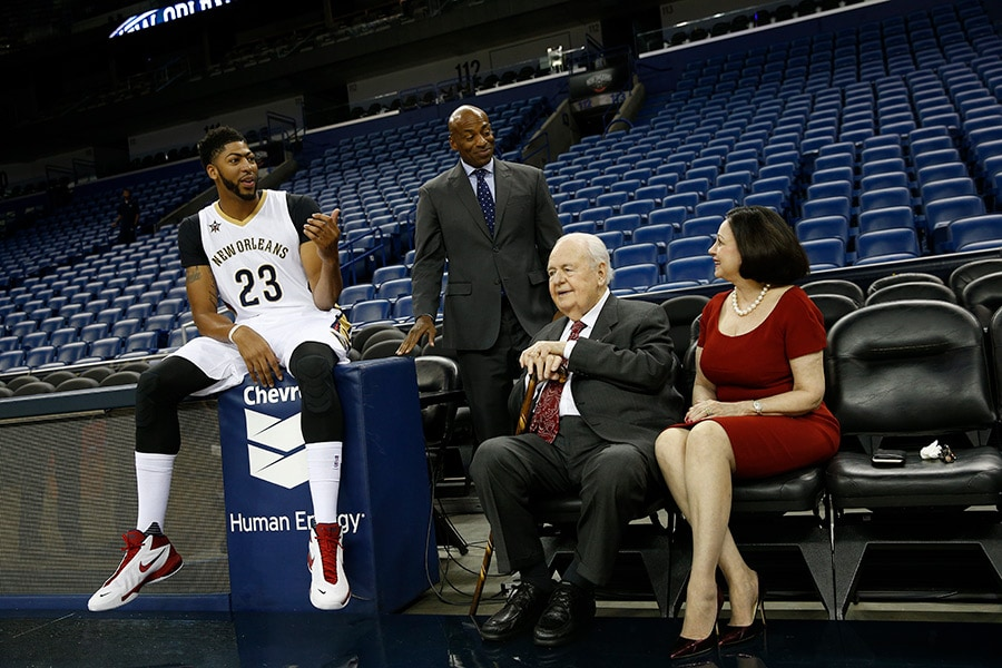 Pelicans players NBA react to the passing of Pelicans owner Tom Benson