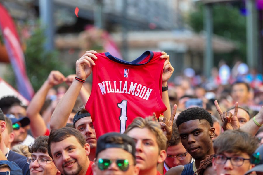 Fans React For 1 Nba Draft Pick Zion At Fulton Alley New