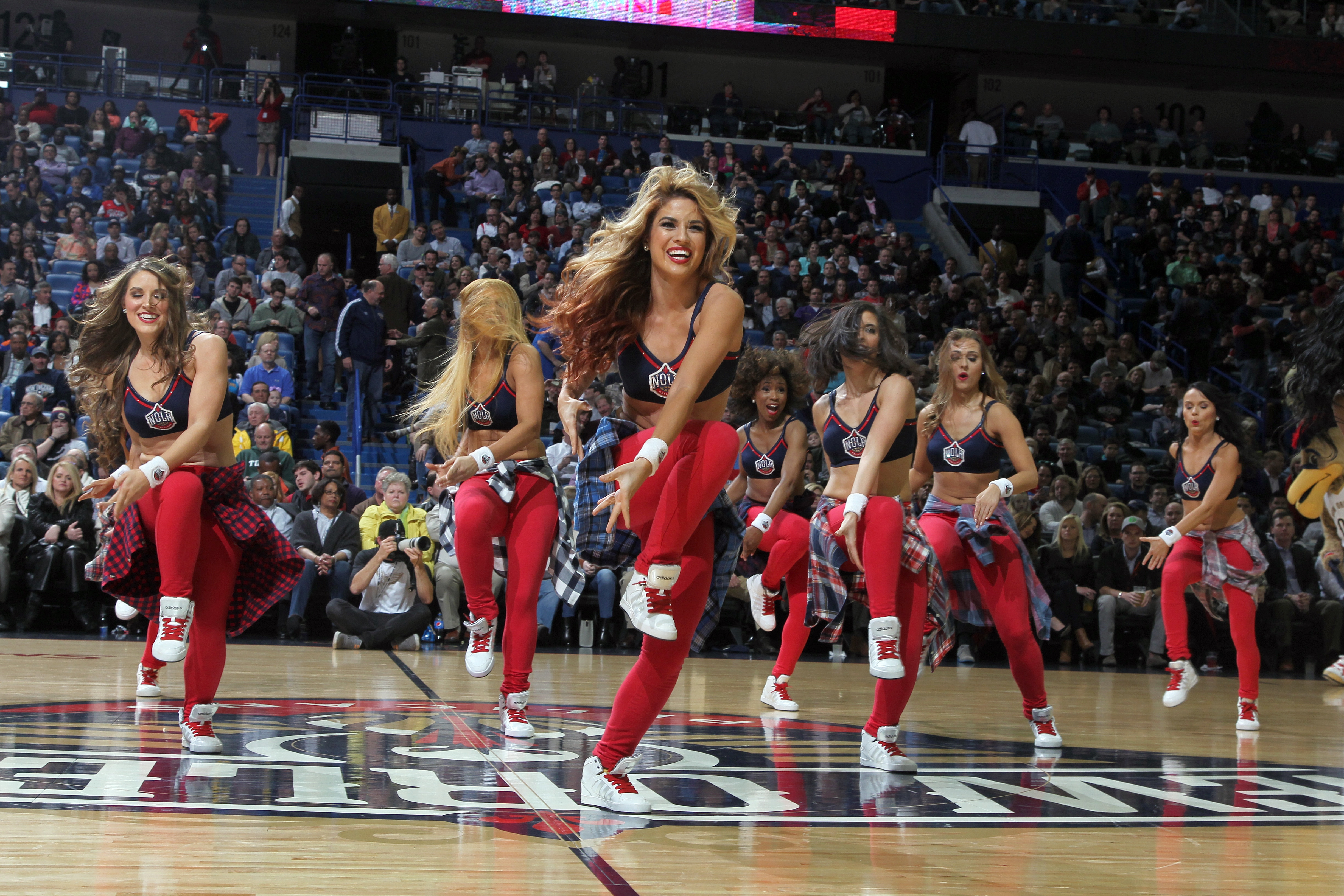 Pelicans (1-30-2015) Team New |  Dance Clippers from game