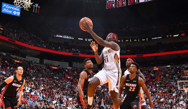 Jrue Holiday scoops up a shot at Miami