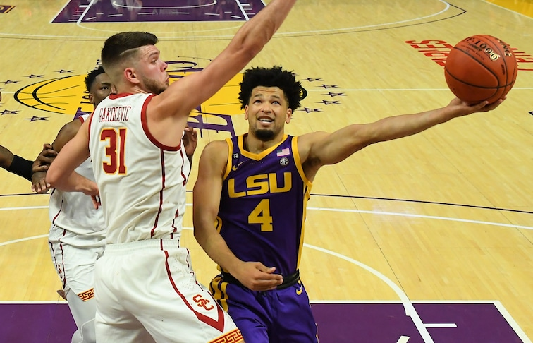 LSU guard Skylar Mays takes a left-handed layup