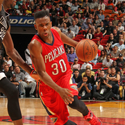 Norris Cole maneuvers against Miami, his former team