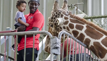Jrue Holiday visits Audubon Zoo