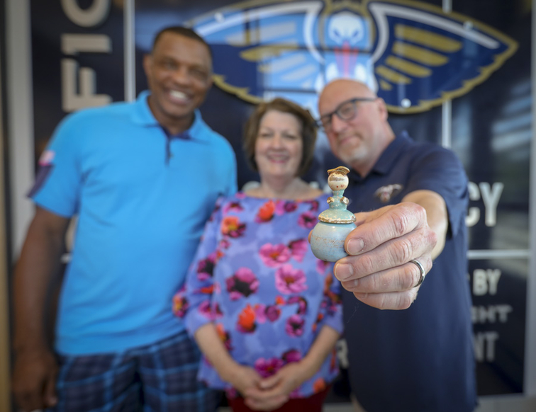 Pelicans Good Luck Charm: Connie meets with David Griffin, Alvin Gentry