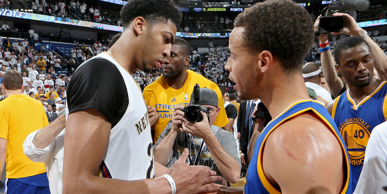 Anthony Davis greets Stephen Curry after Game 4