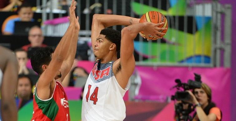 Anthony Davis looks for a teammate during Saturday's game vs. Mexico