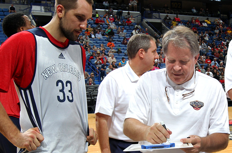 Pelicans assistant Dave Hanners remembers Dean Smith