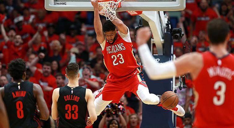 Anthony Davis throws down a reverse dunk vs. Portland in the playoffs