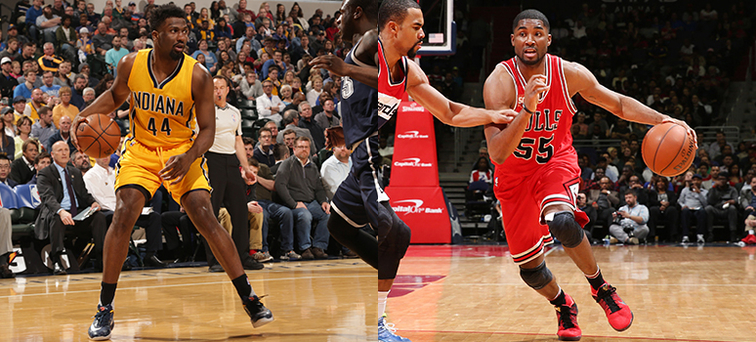 Solomon Hill (left) and E'Twaun Moore join New Orleans as free agents