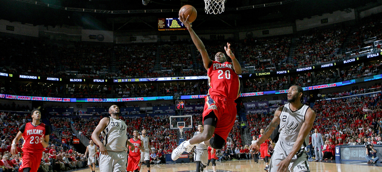 Quincy Pondexter glides to the basket for a layup against the Spurs last April