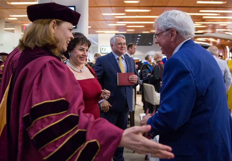 Gayle Benson speaks at Loyola 2019 commencement