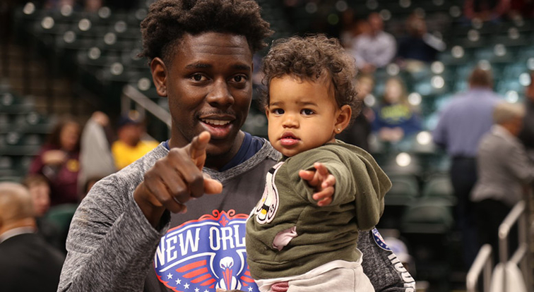 Pelicans Guard Jrue Holiday On Fatherhood It S Awesome