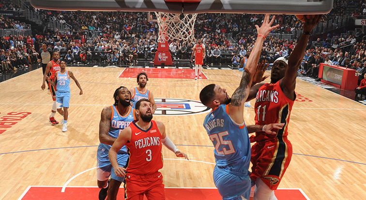 Anthony Davis Hangs 41 Points and 13 Rebounds on the Clippers
