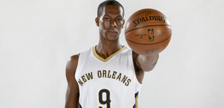 Pelicans Eager To Add Rajon Rondo's Basketball IQ, Vast