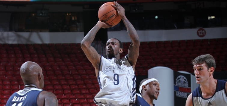Russ Smith fires a mid-range shot during summer league