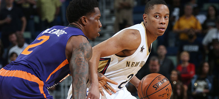 Phoenix's Eric Bledsoe defends against Tim Frazier