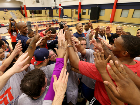 Season ticket holders joined a few Pelicans players in an NBA-style workout at the Pelicans Boot Camp event on Thursday, Jan. 29