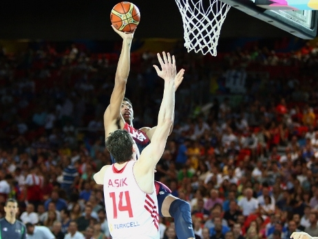 Pelicans' Anthony Davis, Omer Asik impress at World Cup