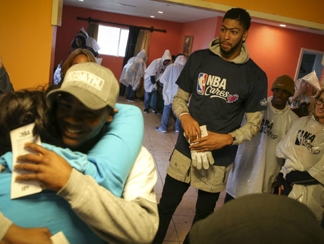 Anthony Davis Helps Tornado Victims at NBA Day of Service