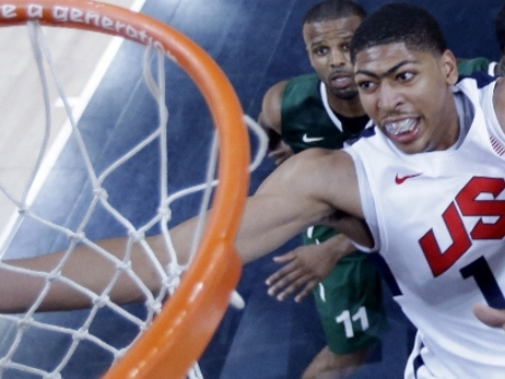 Anthony Davis tosses in a layup during the 2012 London Olympics