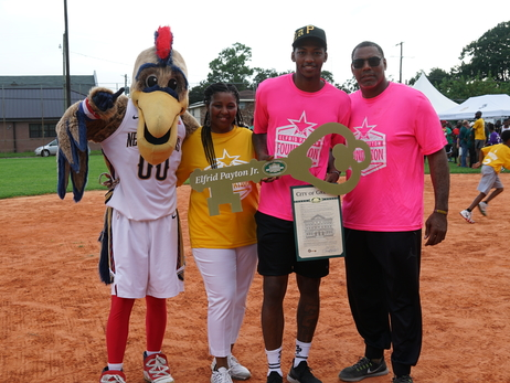 Elfrid Payton Jr. Hosts Kickball Tournament and Receives a Key to the City of Gretna