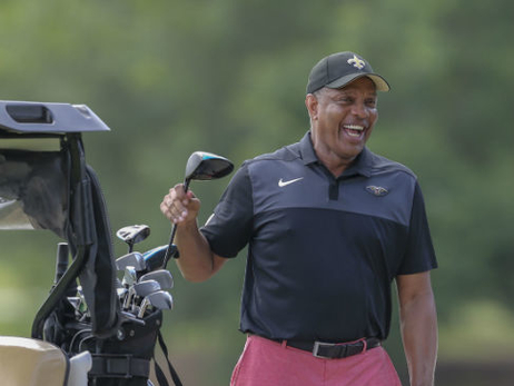 Alvin Gentry participates in the 2019 Saints Hall of Fame Golf Tournament