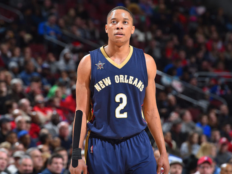 Pelicans claim Tim Frazier off waivers