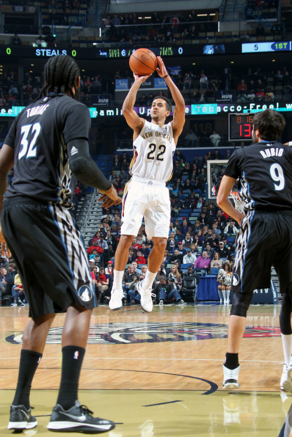 Pelicans vs Wolves Action Shots