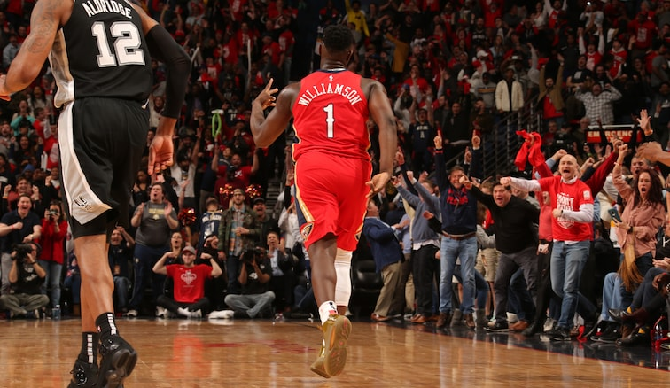 Pelicans fans rejoice after Zion Williamson drains another three-pointer vs. San Antonio