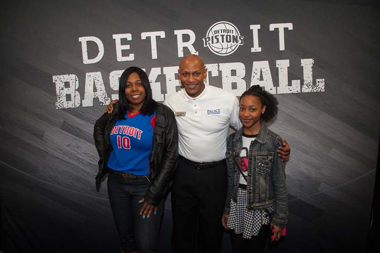 Dancing usher meet and greet detroit pistons the dancing usher met with fans before showing off his famous moves at the pistons home m4hsunfo