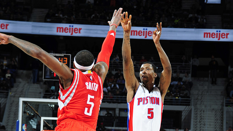 kcpaugustin backcourts brilliance helps pistons snap