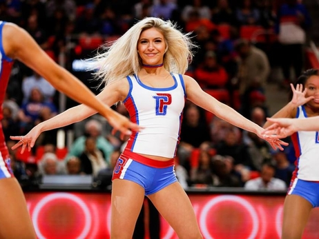 Dancers - Pistons vs Pacers