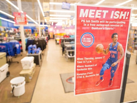 Ish Smith Meets Fans at Dunhams