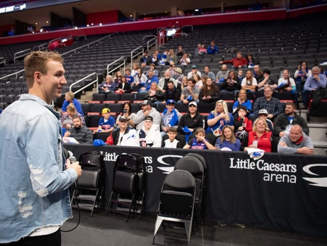 Photos: Luke Kennard's Franklin, OH Meet and Greet