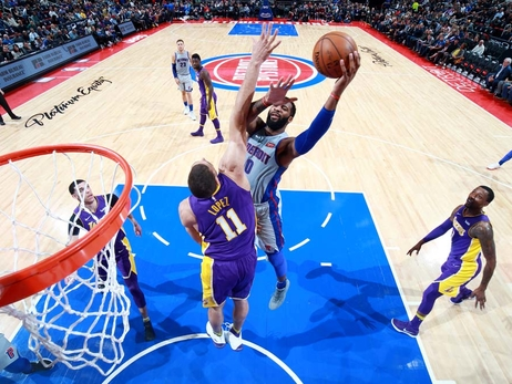 Lakers 106, Pistons 112