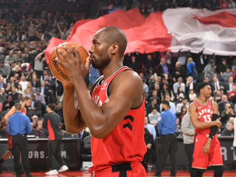 Photo Gallery: Raptors vs. Hawks 03/06/18