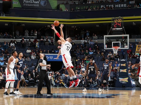 Photo Gallery: Raptors @ Grizzlies 12/08/17