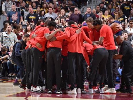 Photo Gallery: Raptors @ Cavaliers - Game 3